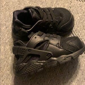 LIKE NEW 4C Nike Huarache